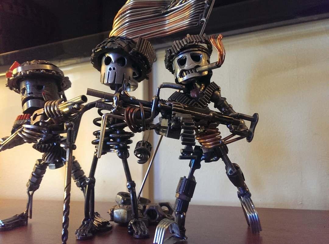таким фото скелетов человека из автомобильных запчастей чтобы твои ожидания